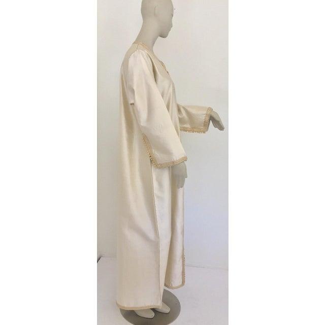 White Moroccan Elegant Luxury Dupiono Silk Caftan Gown Maxi Dress For Sale - Image 8 of 13