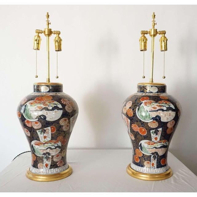Chinoiserie Samson Imari Lamps, Mallett London - a Pair For Sale - Image 3 of 13