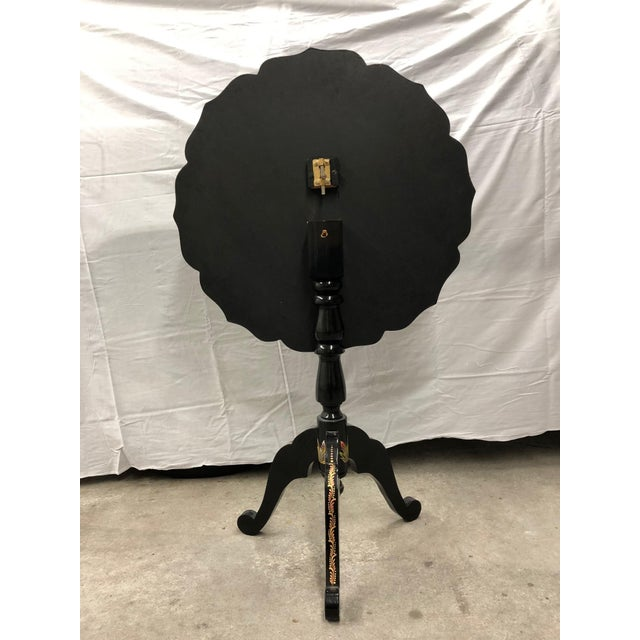 20th Century Folk Art Tole Tilt Top Accent Table For Sale - Image 4 of 8