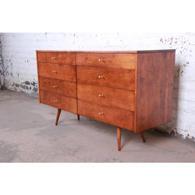 An exceptional mid-century modern long dresser or credenza from the Planner Group line by Paul McCobb for Winchendon...