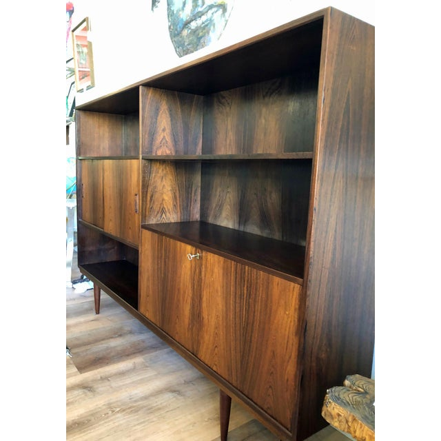 1960s Danish Mid-Century Rosewood Display Unit For Sale - Image 5 of 9