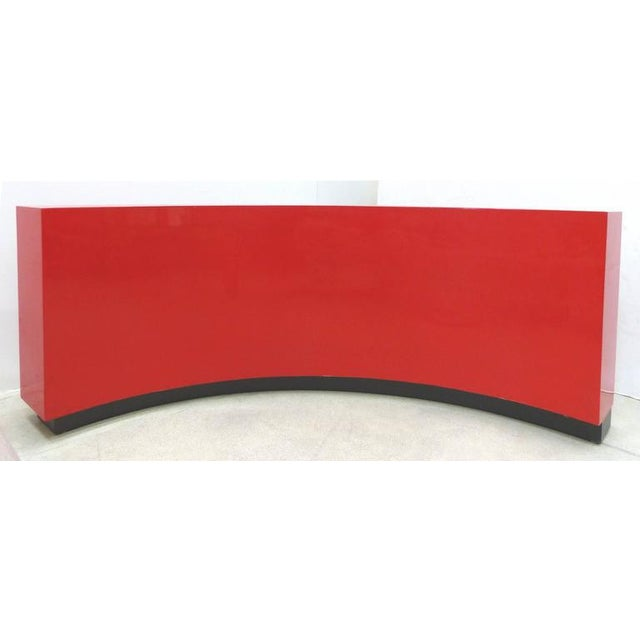 Paul Laszlo Art Deco Curved Red Lacquer Bookcase by Paul Laszlo For Sale - Image 4 of 9