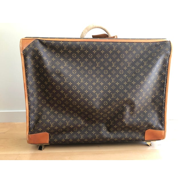 Traditional 1980s Vintage Louis Vuitton Pullman 75 Luggage For Sale - Image 3 of 13