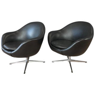 Pair of Overman Pod Chairs For Sale