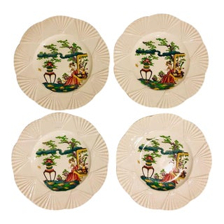 1920s Wedgwood Etruria Barlaston Chinoiserie Fan Edged Plates - Set of 4 For Sale