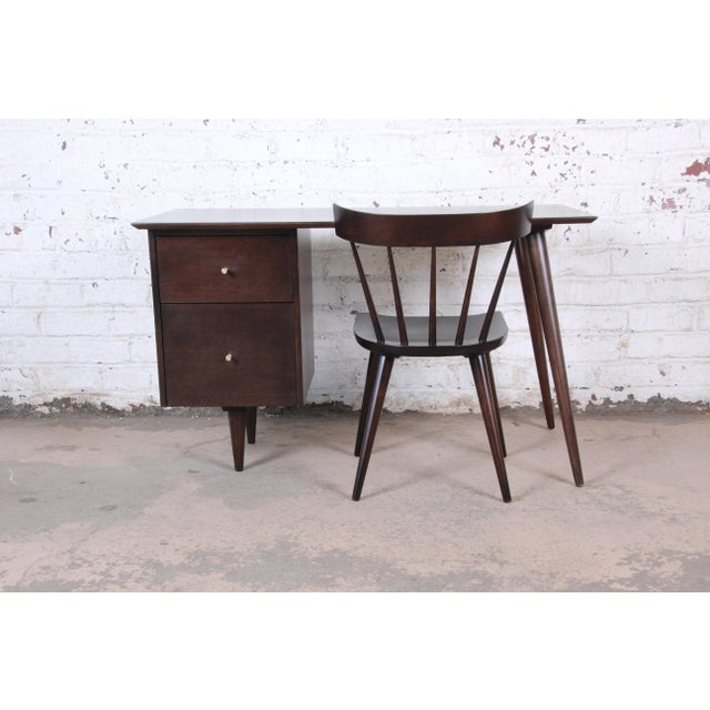 Paul McCobb Mid-Century Modern Planner Group Desk and Chair, Newly Restored For Sale - Image 13 of 13