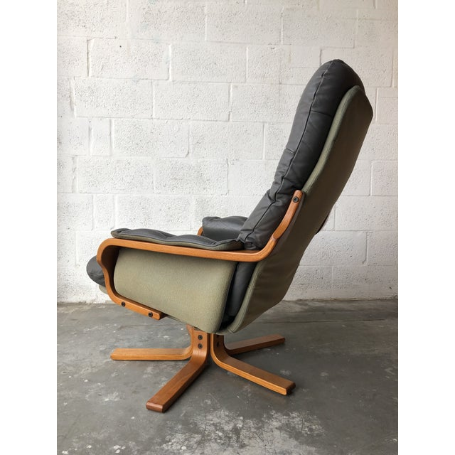 Gray Vintage Mid Century Modern Scandinavian Lounge Chair & Ottoman For Sale - Image 8 of 13