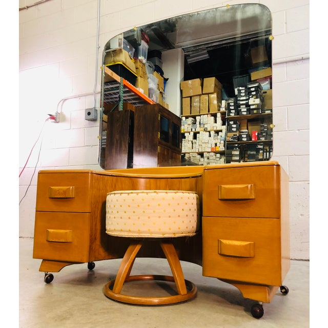 Mid-Century Modern Heywood Wakefield Vanity & Mirror With Stool Set For Sale - Image 3 of 13