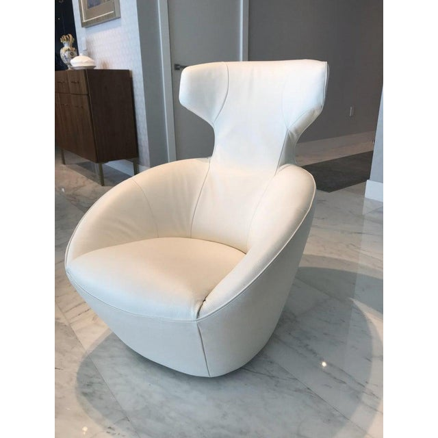 Mid-Century Modern Edito Swivel Lounge Chair in White Leather by Roche Bobois For Sale - Image 3 of 13