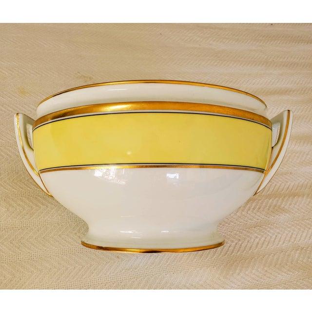 Contessa Citrino 141 Oz. round tureen with cover. White/yellow/gold. Richard Ginori is a leading Italian maker of fine...