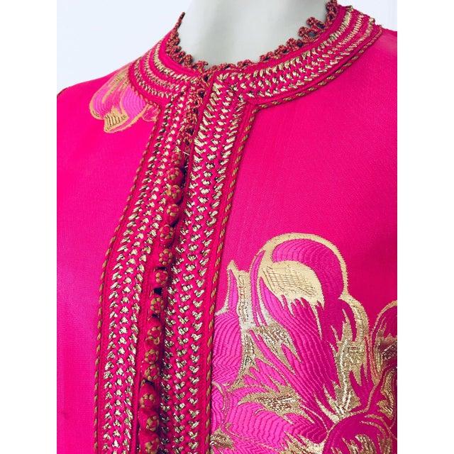 Vintage Designer Moroccan Caftan, Metallic Brocade Kaftan With Pink and Gold For Sale - Image 4 of 13