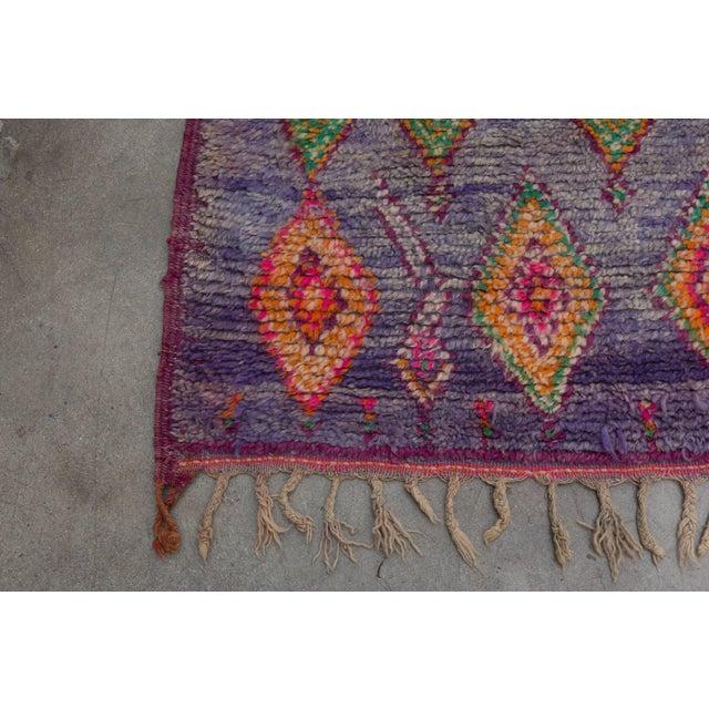 Vintage Moroccan Beni M'Guild Rug - 6′ × 10′9″ For Sale - Image 9 of 10