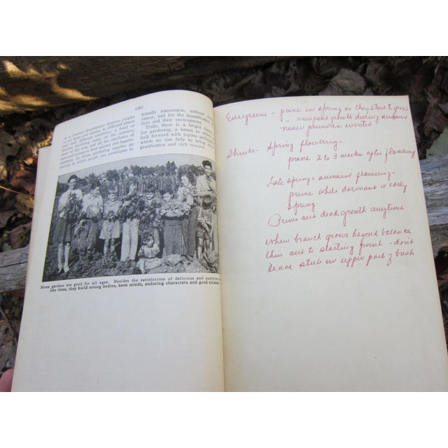 1940s Vintage New Garden Encyclopedia Book For Sale In Indianapolis - Image 6 of 12