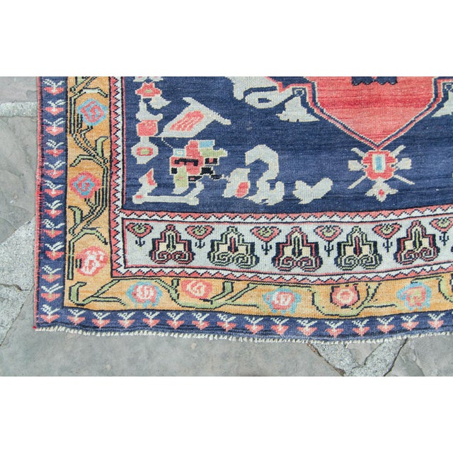 """House of Séance - 1940s Vintage Anatolian Taspinar Oushak Wool Pile Hand-Knotted Rug - 4'10"""" X 8' For Sale - Image 4 of 11"""
