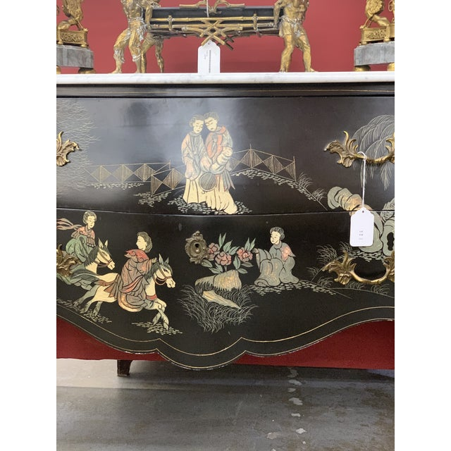Louis XV Style Gilt Bronze Mounted Chinoiserie Japanese Decorated Commode For Sale In Los Angeles - Image 6 of 8