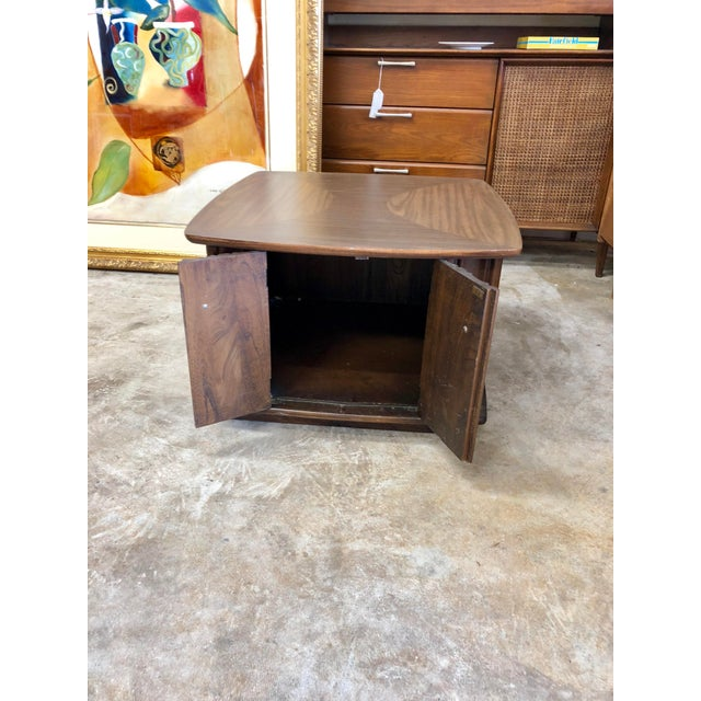 Mid Century Modern Scalloped Walnut Side Table For Sale In Charleston - Image 6 of 7
