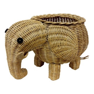 Vintage Wicker Elephant Basket or Planter For Sale