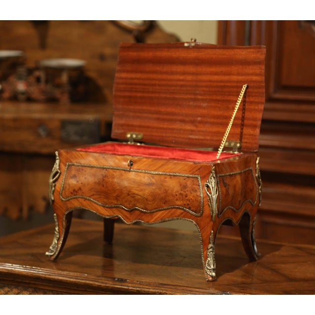 19th Century French Louis XV Bombe Walnut and Burl Jewelry Box With Bronze Mount For Sale - Image 4 of 13