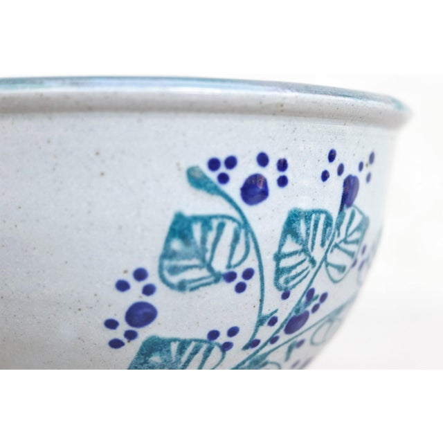 Americana Decorative Earthenware Bowls, Set of 2 For Sale - Image 3 of 6