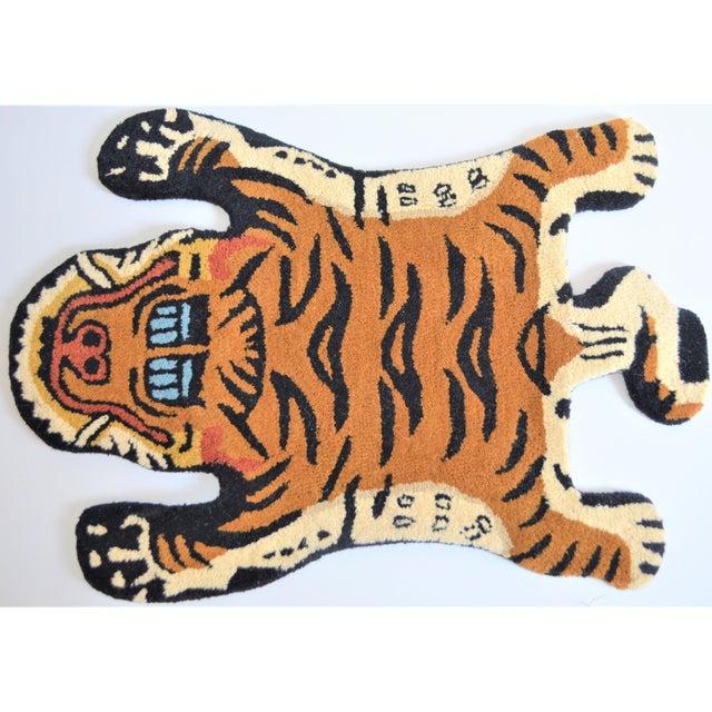 Boho Chic 1990s Vintage Tibetan Tiger Hunting Shape Persian Rug- 2′ × 3′ For Sale - Image 3 of 6