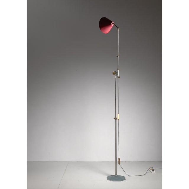 Large 1950s adjustable metal floor lamp that can reach to 155 inch height For Sale - Image 4 of 6