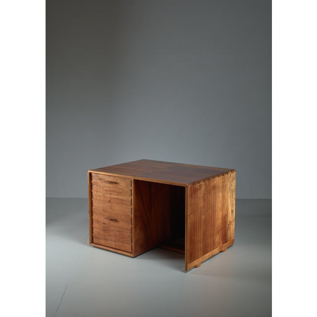 Mid-Century Modern Jim Sweeney Studio Craft Wooden Desk, USA, 1970s For Sale - Image 3 of 4