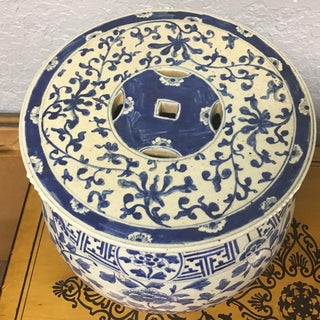 Chinese Blue & White Porcelain Dragons Theme Stool Preview