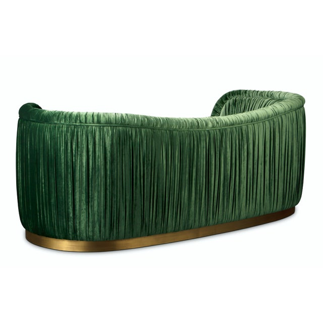 Our designer's passion for the worldwide cultures aroused the desire to create DAKOTA Single Sofa, named after an...