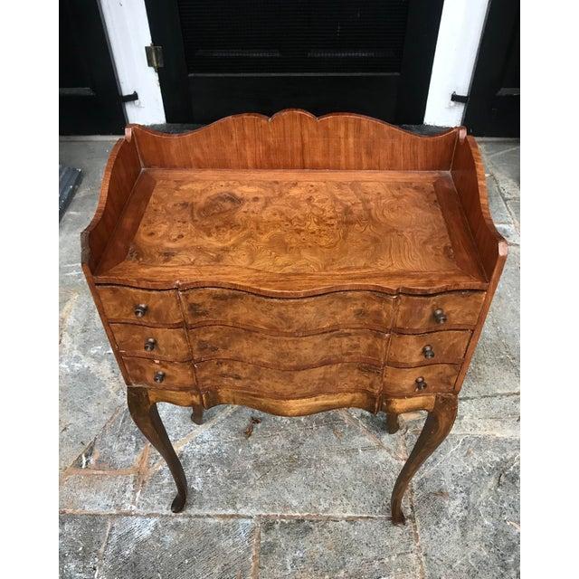 Italian Italian Louis XV Style Three Drawer Burl Wood Nightstand / Cabinet For Sale - Image 3 of 13