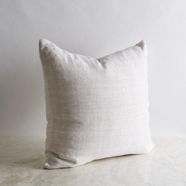 "Textile Vintage Linen Pillow Cover 22"" x 22"" For Sale - Image 7 of 7"