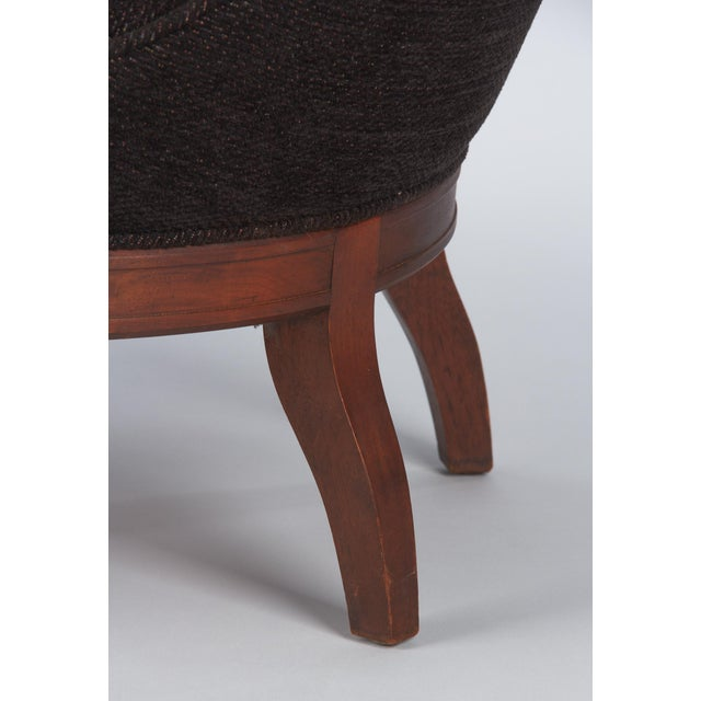 1960s Hollywood Regency Crest-Back Button-Tufted Chair For Sale - Image 10 of 13