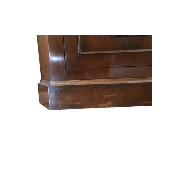 Cherry Wood 1900s Chippendale Glass Doored Corner Cabinets - a Pair For Sale - Image 7 of 8