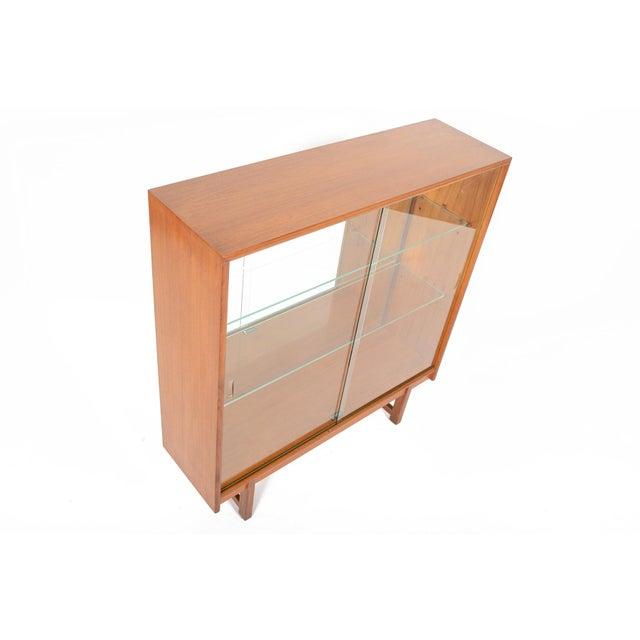 Turnidge of London Sliding Glass Doors Bookcase - Image 4 of 7
