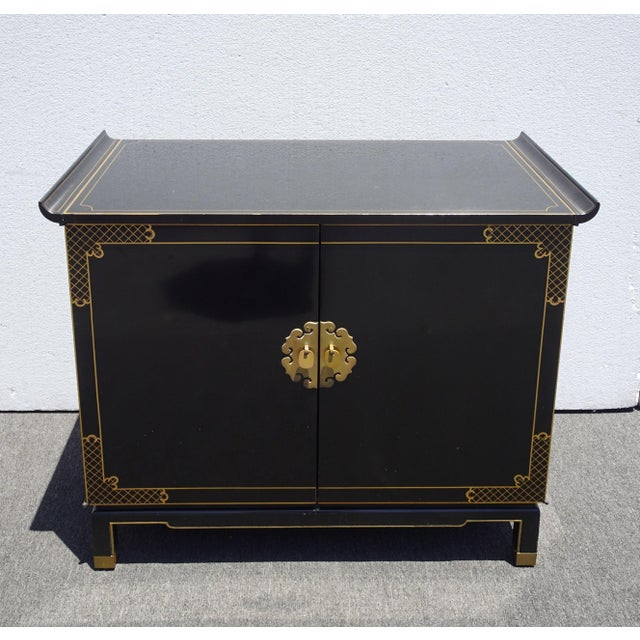 Vintage Mid Century Chinoiserie Oriental Asian Black Entry Table Cabinet For Sale - Image 4 of 13