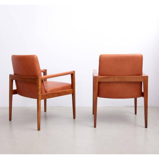 Set of Ten Labeled Jens Risom Armchairs in Walnut in Cognac Leather For Sale - Image 6 of 9