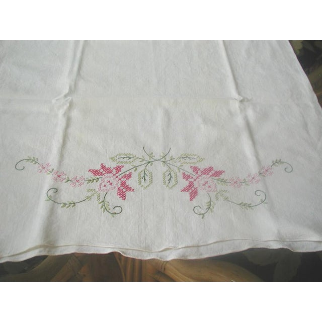 1950's Hand Embroidered Pillow Cases - A Pair For Sale - Image 9 of 9