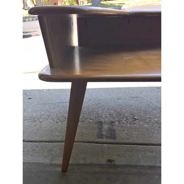 Brown Heywood Wakefield 2-Tier Corner Table W/Boomerang Top Shelf For Sale - Image 8 of 10