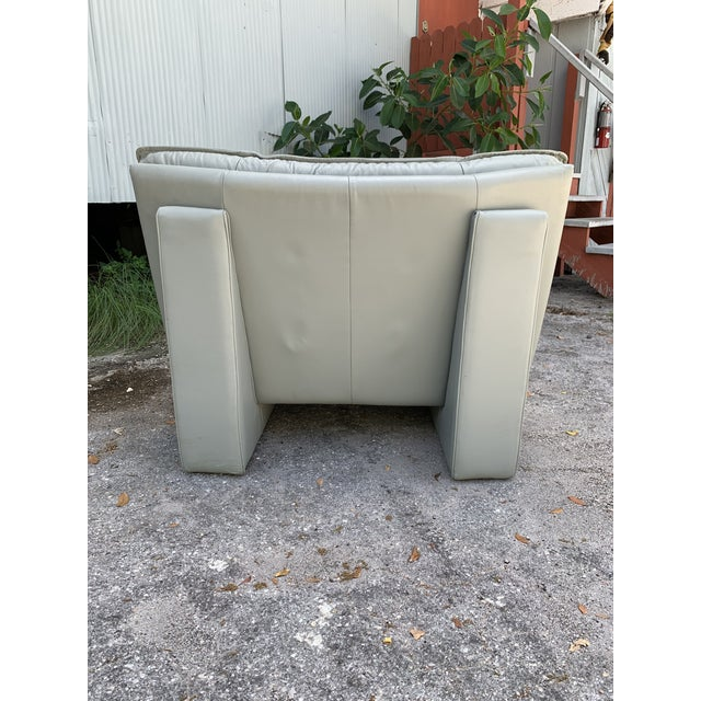 Vintage Grey Italian Leather Chair by Nicoletti Salotti For Sale - Image 4 of 7