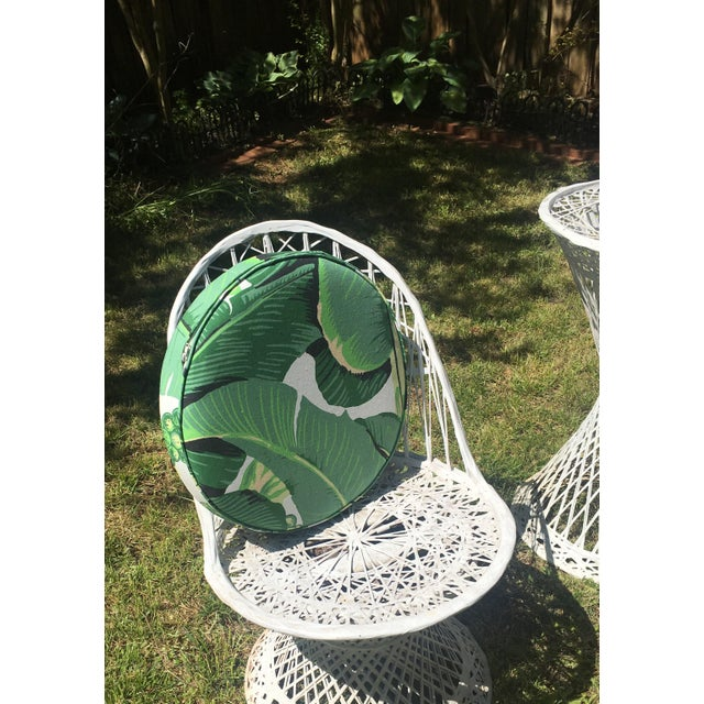 Mid-Century Modern Vintage Spun Fiberglass Chairs & Table For Sale - Image 3 of 6
