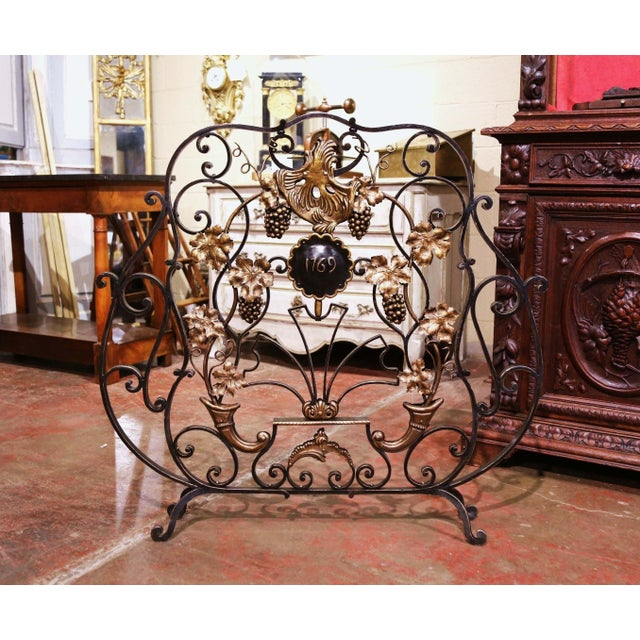 Mid-20th Century French Louis XV Wrought Iron Fireplace Screen With Vine Motifs For Sale - Image 10 of 10