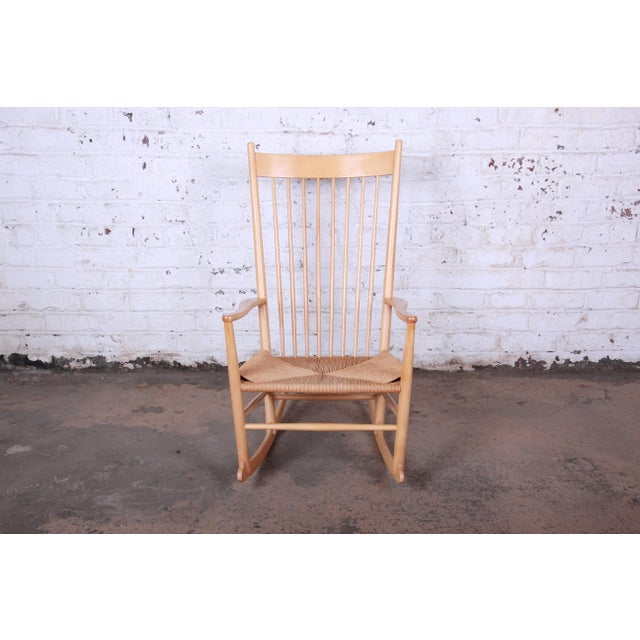 Offering an iconic Danish rocking chair designed by Hans J. Wegner for FDB Møbler. The J16 rocking chair was introduced in...