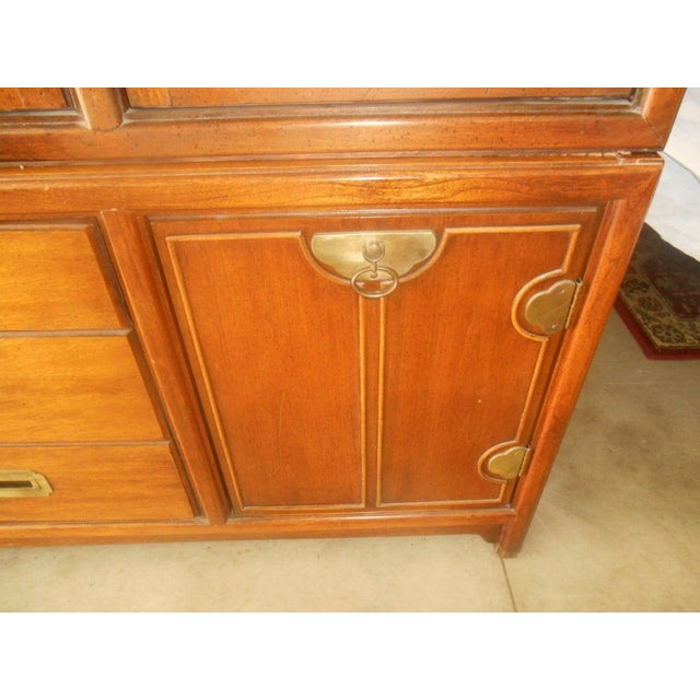 Hickory Mfg. Co. Lighted 2 Piece China Cabinet - Image 7 of 9