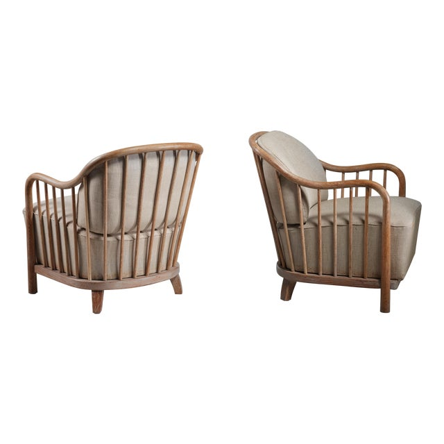 Pair of spindle lounge chairs from Italy, 1930s - Image 1 of 5