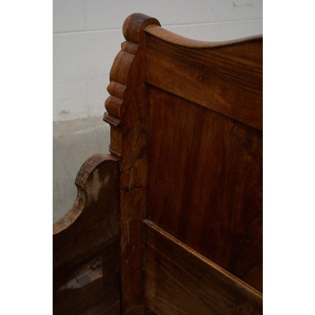 Early 19th Century French Provincial Walnut Daybed Frame For Sale In Louisville - Image 6 of 12