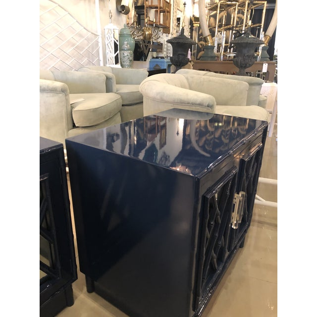 Chippendale Vintage Chinese Chippendale Navy Lacquered Mirror Lucite Brass Nightstands Chests -A Pair For Sale - Image 3 of 13