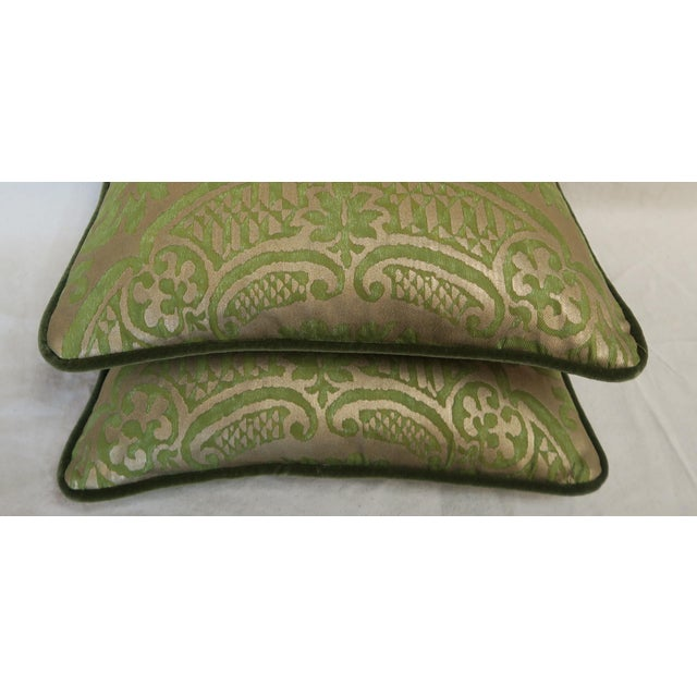 Baroque Pair of Green Orsini Fortuny Pillows For Sale - Image 3 of 8