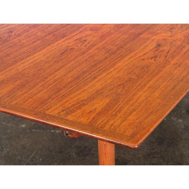 Contemporary Hans J. Wegner JH570 Exapandable Teak Dining Table for Johannes Hansen For Sale - Image 3 of 11