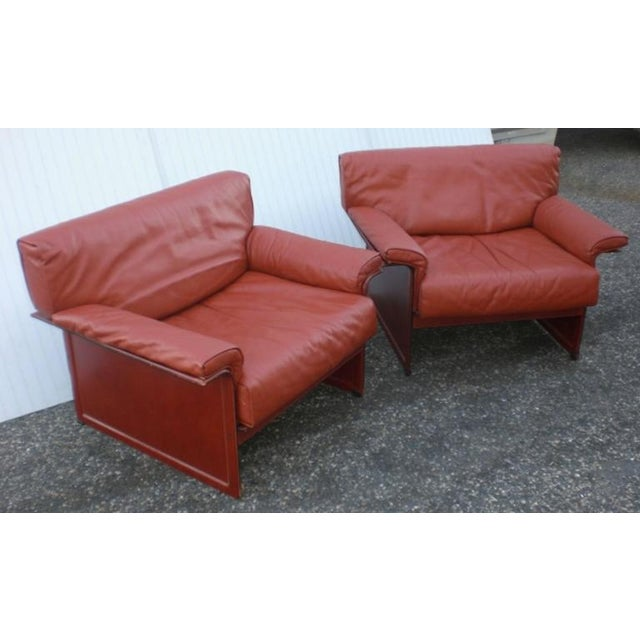 Leather Mid-Century Modern Club Chairs - A Pair For Sale In New York - Image 6 of 6
