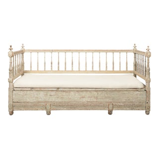 Late 18th Century Gustavian Painted White Daybed Sofa For Sale