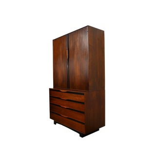 John Kapel Glenn of California Mid Century Modern Walnut Gentlemans Chest Dresser For Sale